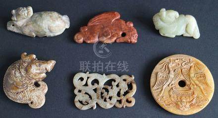 Lot Jade (like) decorative items (6)
