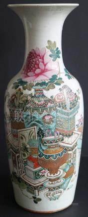 Chinese vase famille rose