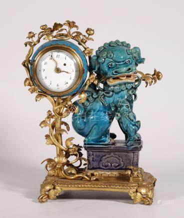 Bronze-plated gold procelain Lion table clock in Western style