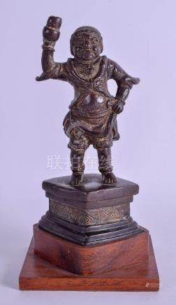 AN 18TH CENTURY CHINESE BRONZE FIGURE OF A MALE DEITY Qing. Bronze 16 cm x 6.5 cm.
