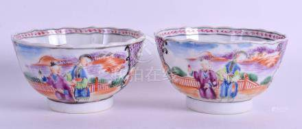 A PAIR OF 18TH CENTURY CHINESE EXPORT TEA BOWLS Qianlong. 8.5 cm diameter.