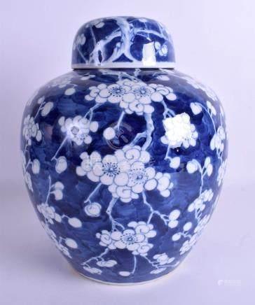 A 19TH CENTURY CHINESE BLUE AND WHITE GINGER JAR bearing Kangxi marks to base. 26 cm x 21 cm.
