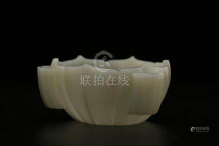 A WHITE JADE CARVING OF 'LOTUS' BOWL.ANTIQUE