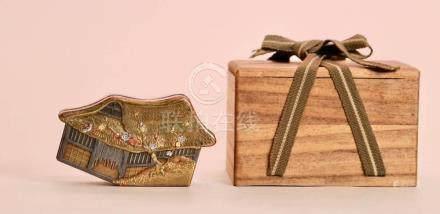 Rare Japanese Lacquer Box - Edo House Shape