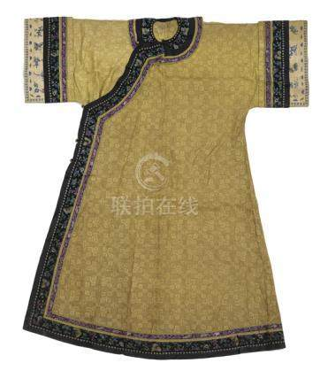 A WOMAN'S SUMMER ROBE, PAO, China, 19th ct., with woven and embroidered silk bands, the wider black