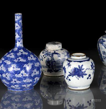 TWO BLUE AND WHITE PORCELAIN JARS AND A BOTTLE VASE, China, 19th ct. - Slightly worn, one jar with v