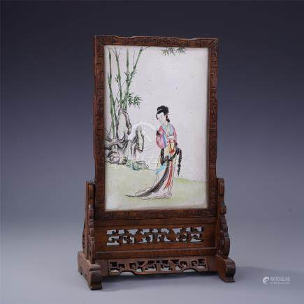 CHINESE PORCELAIN FAMILLE ROSE BEAUTY PLAQUE HARDWOOD HUANGHUALI TABLE SCREEN