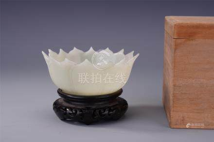 CHINESE WHITE JADE LOTUS SHAPED BOWL QING DYNASTY