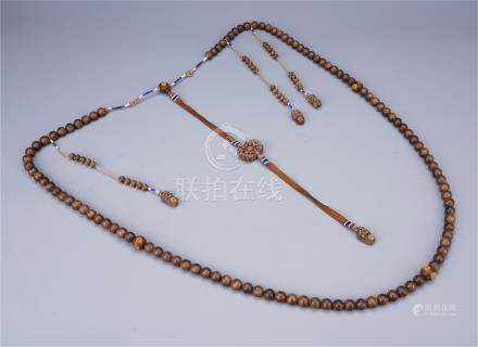 CHINESE AGALWOOD GOLD BEAD CHAOZHU COURT NECKLACE QING DYNASTY