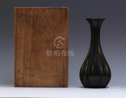 CHINESE HARDWOOD ZITAN FLOWER HOLDER QING DYNASTY