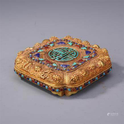 CHINESE GEM STONE INLAID PURE GOLD LIDDED SQUARE BOX