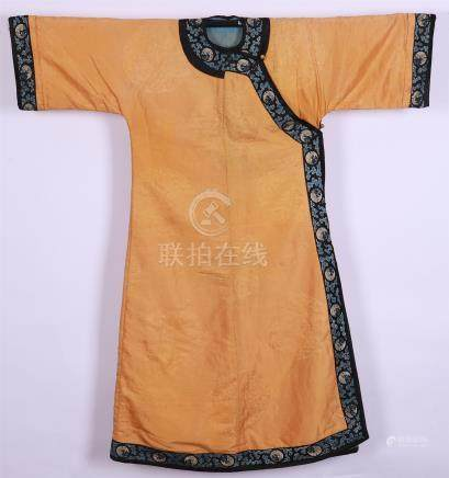 CHINESE EMBROIDEYR YELLOW LADY'S ROBE