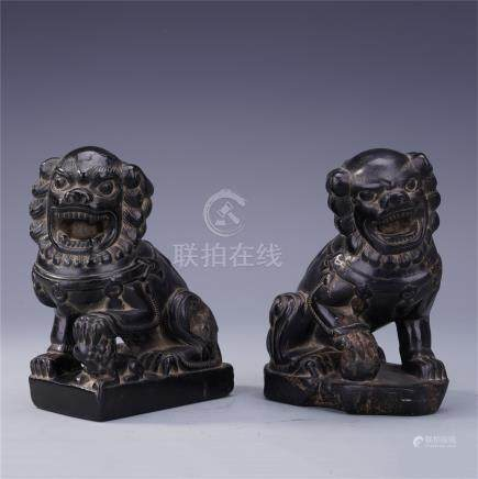 PAIR OF CHINESE STONE LIONS PAPER WEIGHT