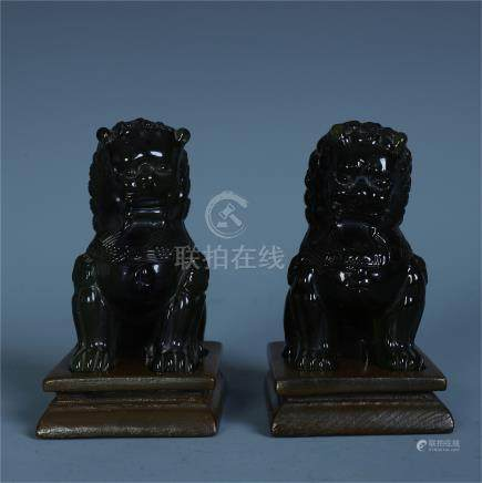 CHINESE PEKING GLASS LIONS PAPER WEIGHT