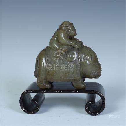 CHINESE GREY JADE ELEPHANT TABLE ITEM