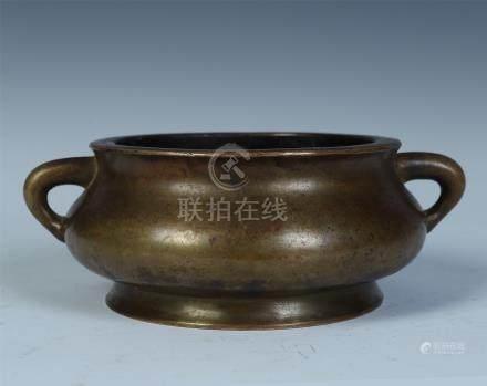 CHINESE BRONZE CIRCLE HANDLE ROUND CENSER