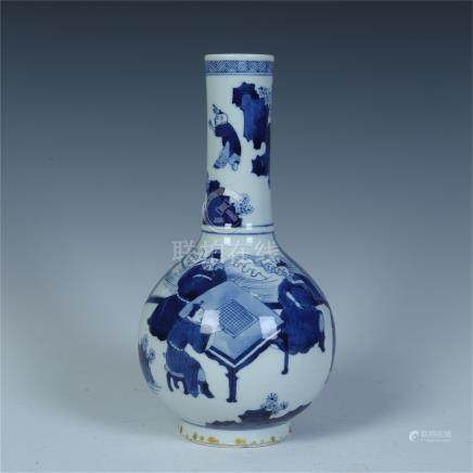 CHINESE PORCELAIN BLUE AND WHITE FIGURES VASE