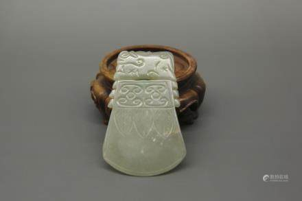 MING JADE CARVING CEREMONIAL AXE PENDANT
