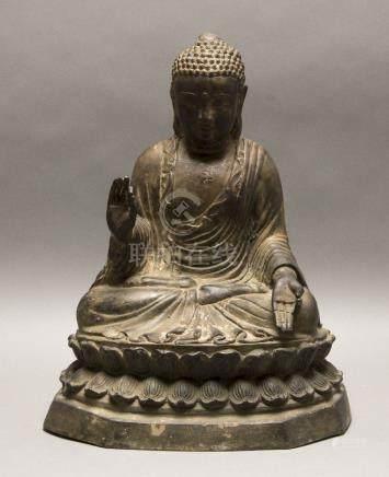 Statuette de Bouddha en bronze patiné représenté a…
