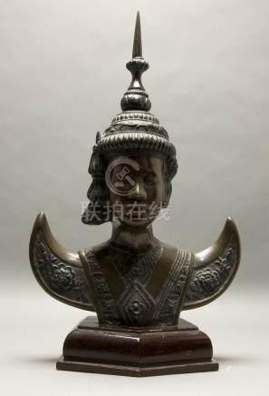 Ateliers de Biên Hòa. Buste de danseuse en apsara.…