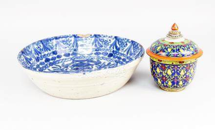 A Chinese porcelain Thai market Bencharong bowl and cover, early 20th century, 18cm high, together