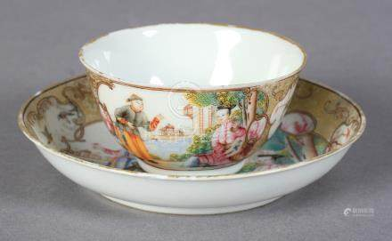 AN 18TH CENTURY CHINESE EXPORT FAMILLE ROSE TEA BOWL AND SAUCER painted with a suitor calling on a