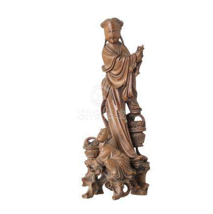 Beauty and child in wood, Minguo