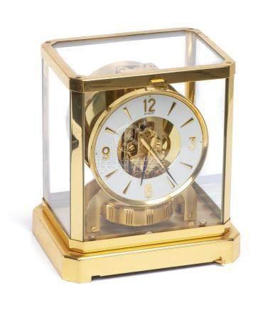 Pendule Atmos Jaeger-LeCoultre à boîte en laiton doré n° 231768