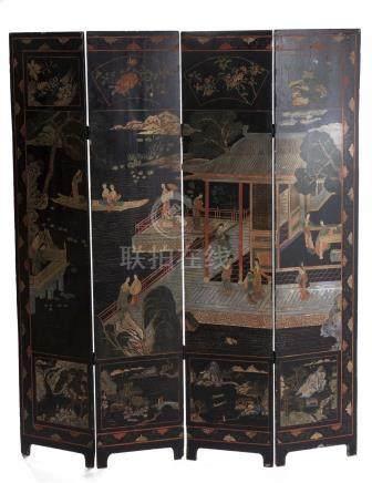 Paravent à 4 feuilles en laque de Chine à décor de jeunes femmes dans un pavillon