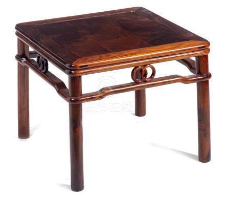 Table à thé de Chine carrée en bois de Huang Huali