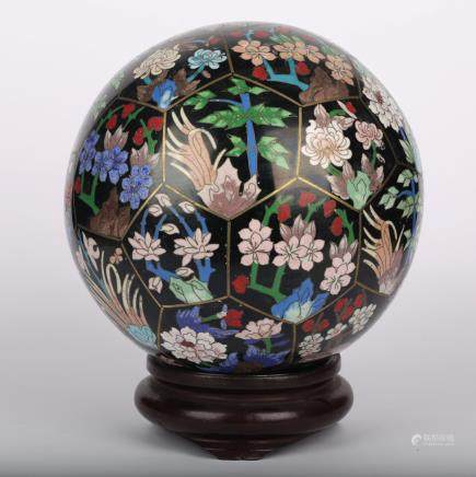 CHINESE CLOISONNE MILLIFLORAL BALL