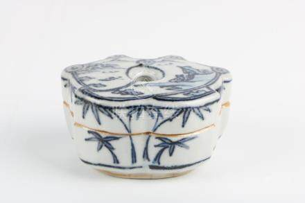 Ming Dynasty Blue and White Box