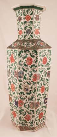 Chinese famille verte octagonal Kangxi vase China 17th