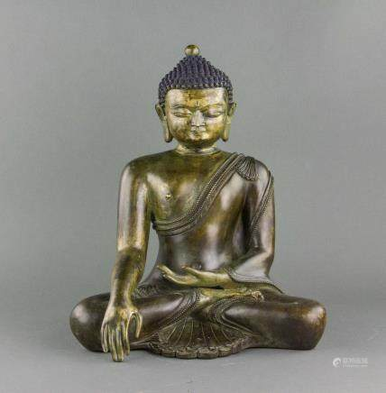 16/17 Century Chinese Fine Bronze Buddha Statue