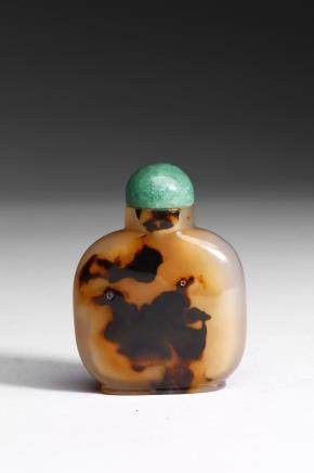 A SHADOW AGATE 'DOUBLE DUCK' SNUFF BOTTLE