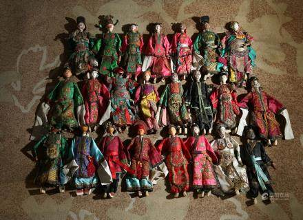 A GROUP OF VINTAGE CHINESE OPERA DOLLS