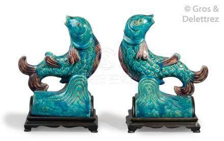 Chine, période Ming, XVIIe siècle Paire de tuiles faitières en céramique émail