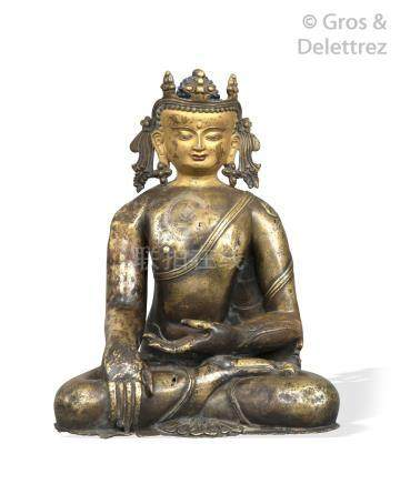 Tibet, XVIIIe siècle Statuette en cuivre repoussé représentant amitaba assis e