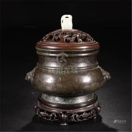 CHINESE BRONZE LION HEAD HANDLE ROUND CENSER WITH JADE KNOT ROSEWOOD LID AND BASE