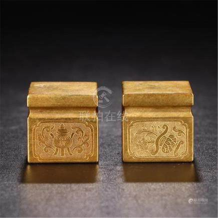 PAIR OF CHINESE GILT BRONZE SQUARE PAPER WEIGHT