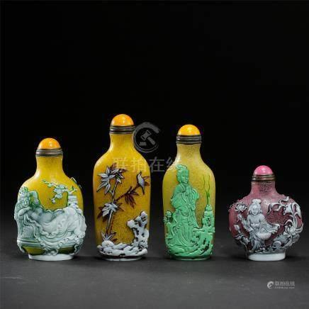 TWO CHINESE PEKING GLASS SNUFF BOTTLE