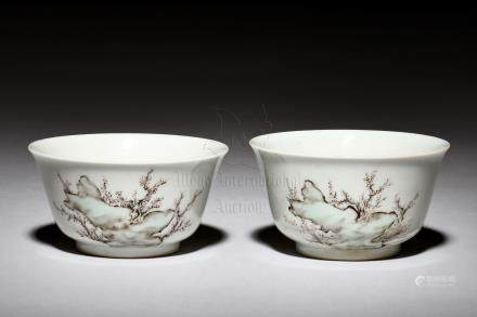 PAIR OF FAMILLE ROSE 'PEOPLE' CUPS