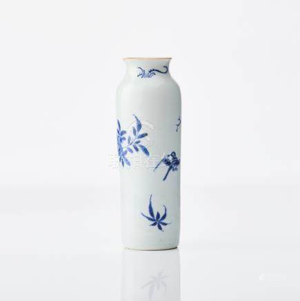 A blue and white vase 'rolwagen'