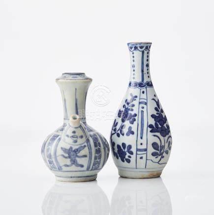 A Kraak kendi and a Kraak vase
