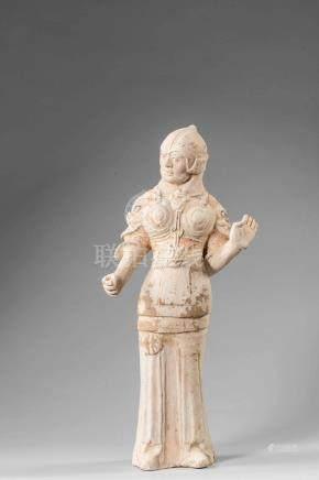 Lokapala, guerrier gardien de sépulture debout vêtu d'une cuirasse à épaulettes
