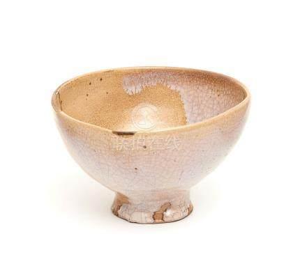 Grand bol à thé Hagi.Période Edo.H.: 8 cm; D.: 13 cm et D.: 5,6 cm. (Diamètre d