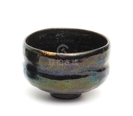 Bol à thé Raku avec un sceau Kônyû et urushi naoshi (restauration à la laque).1