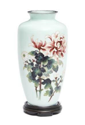 Vase japonais cloisonné par Andō shippō (Andō Cloisonné) décoré de fleurs de ch