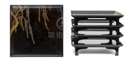 Ensemble de cinq tables basses laquées (kaisekizen), décorées de saules pleureu
