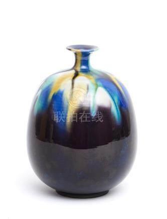 Vase en porcelaine de Kutani (tsubo) décoré de glaçure colorée allant du jaune